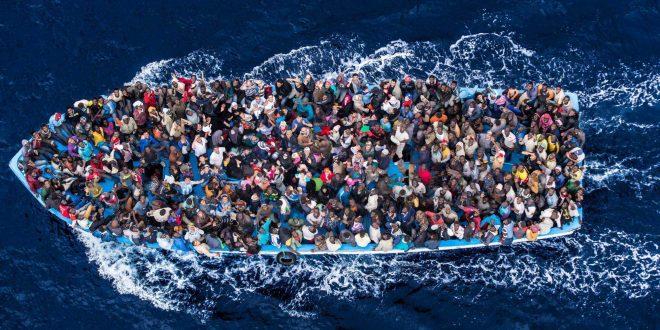 La guardia costiera libica acucusa le ong