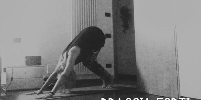 yoga, esercizi per braccia forti - video