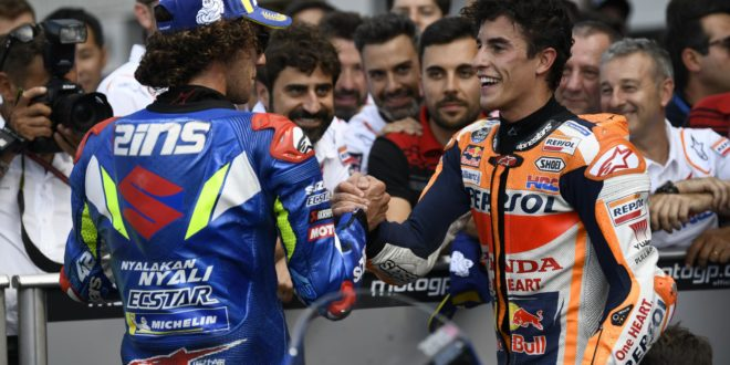 Rins vince a Silverstone